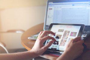 Communiquer avec les internautes depuis votre site web