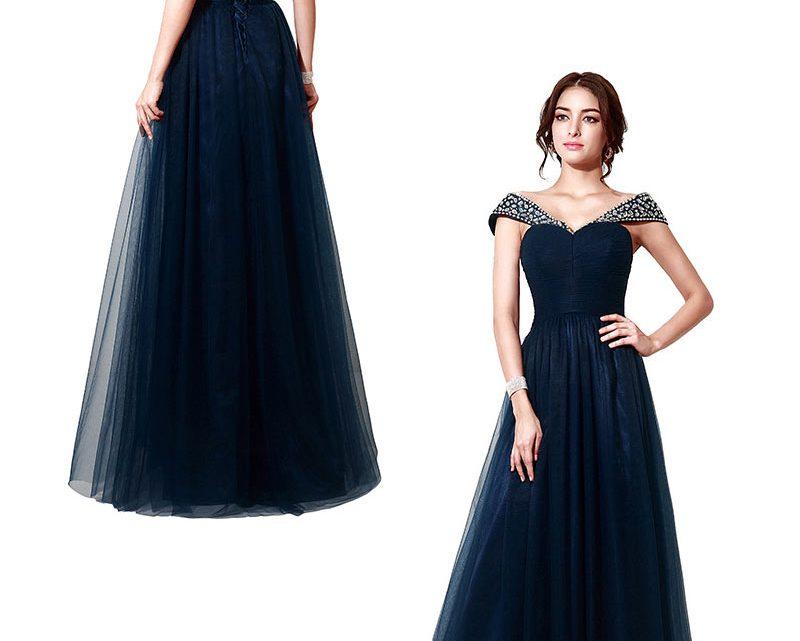 Le bleu marine pour un look classe et élégant de soirée